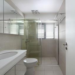 现代极简风格卫生间装修