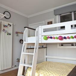 小户型混搭儿童房上下床装修图片