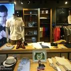 男装专卖店设计效果图片欣赏