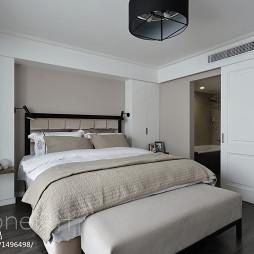 现代简约卧室移动门装修效果图