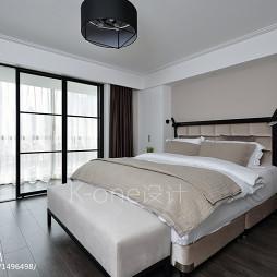 现代卧室阳台移动门设计