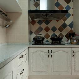 混搭风格厨房墙面拼花贴砖效果图