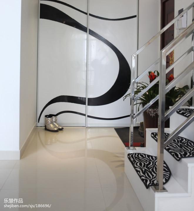 复式现代楼梯装修设计