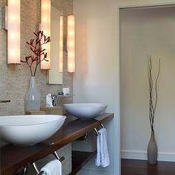 最新的浴室台上盆装修图