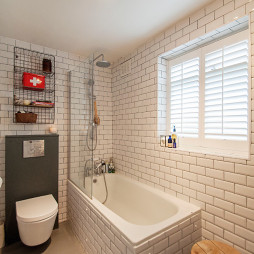 浴室通体砖装修图