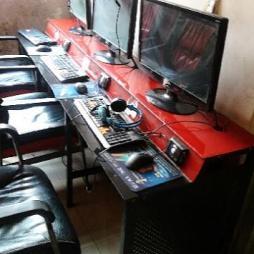 网吧电脑桌效果图片
