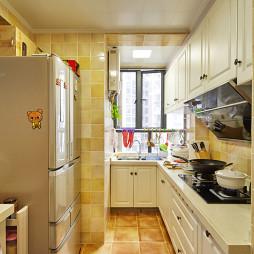 田园风格厨房贴砖设计效果图