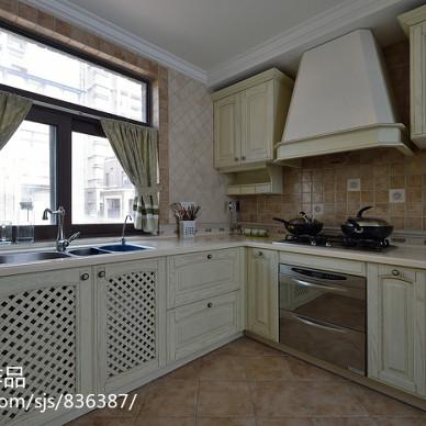 欧式厨房橱柜柜体装修效果图