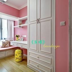 美式田园卧室衣柜装修设计