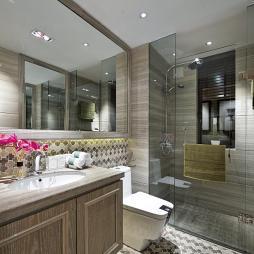 美式卫生间地面贴砖装修图片