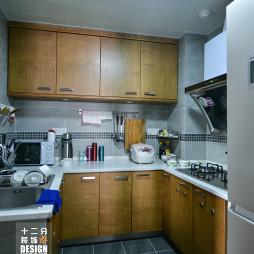 现代厨房设备装修图片大全