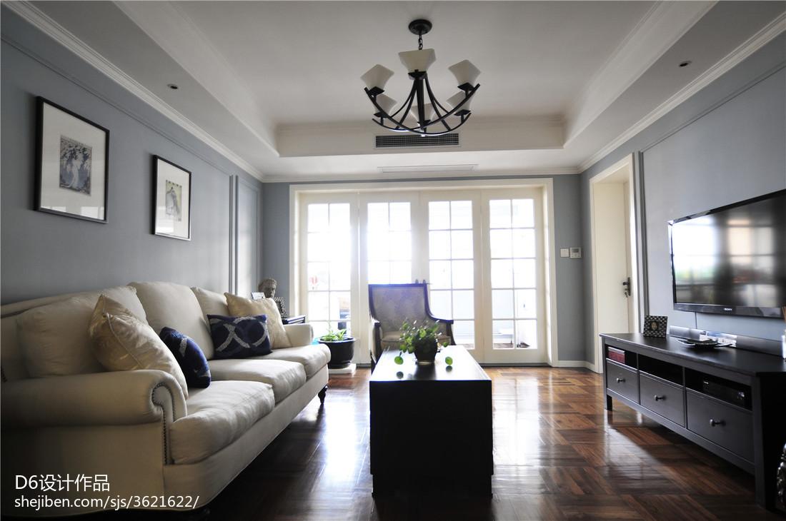 美式简约客厅装修设计图片