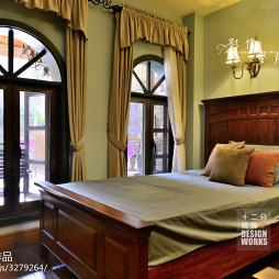 复式楼美式卧室阳台装修效果图