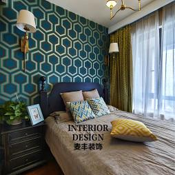 摩登美式卧室背景墙装修效果图