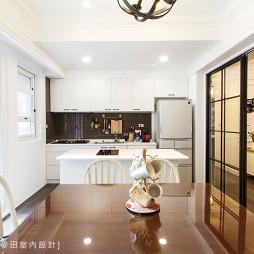 时尚美式厨房隔断装修设计