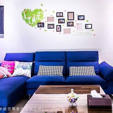 现代跳色客厅设计图