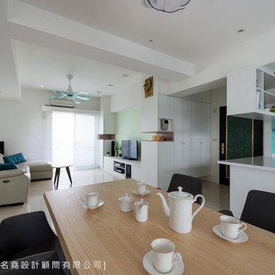 现代风优雅客厅设计图
