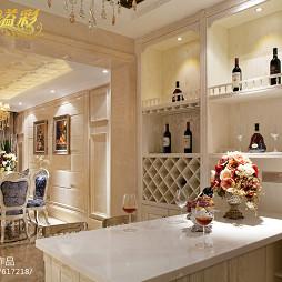混搭欧式风格厨房酒柜设计