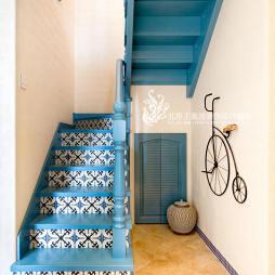 清新地中海样板间楼梯设计