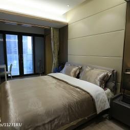 现代奢华风格卧室阳台设计