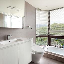 混搭风格卫浴窗户设计