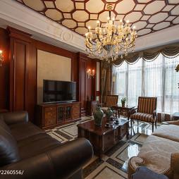 美式别墅客厅窗户装修设计