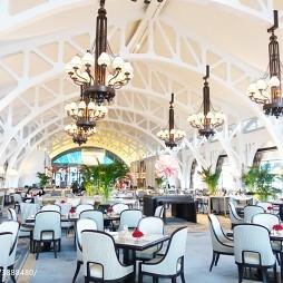 西餐厅就餐区吊顶装修设计