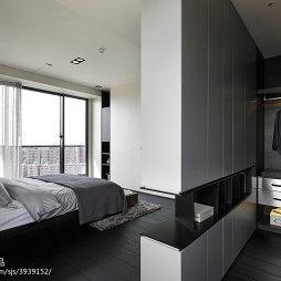 三居室现代风格卧室衣帽间设计