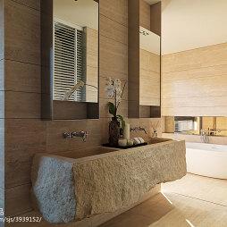 四居室现代卫生间装修设计
