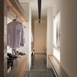 四居室现代衣帽间吊顶装修设计