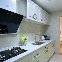 简约主义现代厨房隔断设计