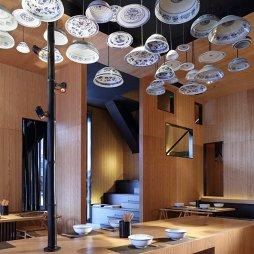混搭风中式餐饮店吊顶设计