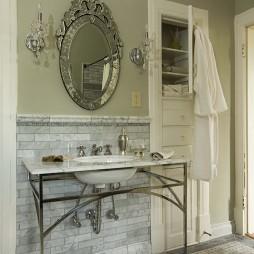 家庭厕所图片