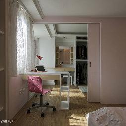 现代风格卧室衣帽间效果图