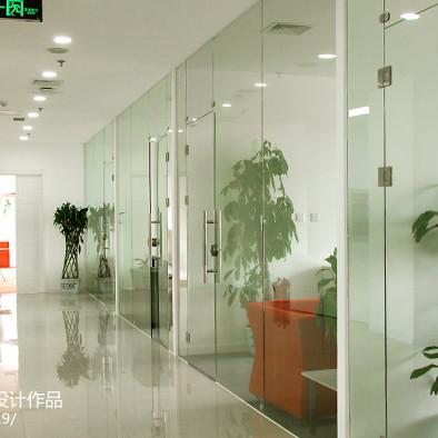办公区玻璃隔断装修设计