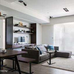 二居室现代客厅隔断设计