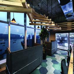 后现代创意办公室窗户设计
