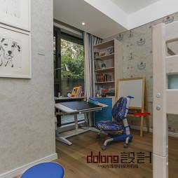 现代风格儿童房学习书桌装修效果图
