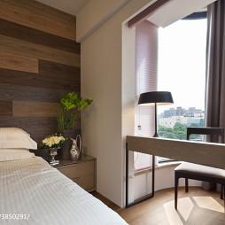 现代卧室阳台装修图欣赏