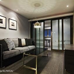 二居室现代客厅推拉门装修设计