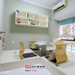 现代风格书房榻榻米设计
