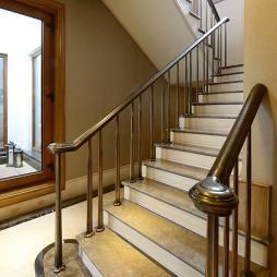 混搭别墅楼梯样板间图片