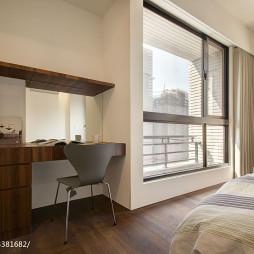 现代风格卧室窗户装修设计