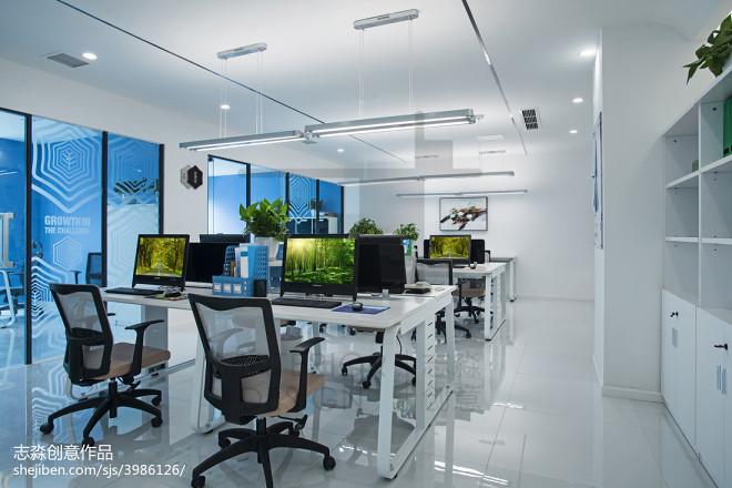 公装优雅办公区域设计