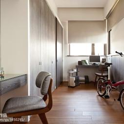 混搭风格卧室拐角窗户装修设计