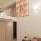 二居室现代客厅博古架装修