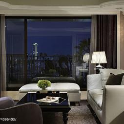 现代风格客厅落地窗设计