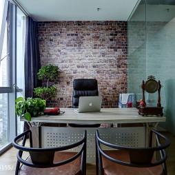 小型办公室落地窗设计