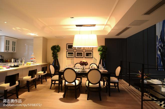 新古典别墅餐厅吊灯装修效果图