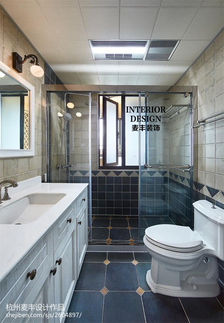国际资讯_简约美式卫生间玻璃门隔断效果图 – 设计本装修效果图
